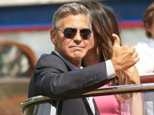 ClooneyThumbsUp
