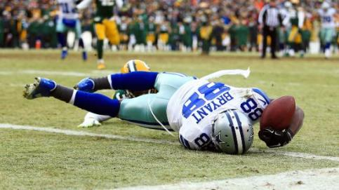 Dez Bryant's 31-yard catch in the 4th quarter was reversed after a challenge was issued by Packers coach Mike McCarthy