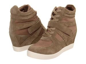 wedgesneakers